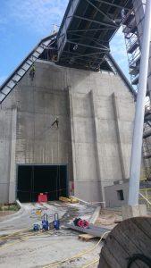 Mycie elewacji betonowej