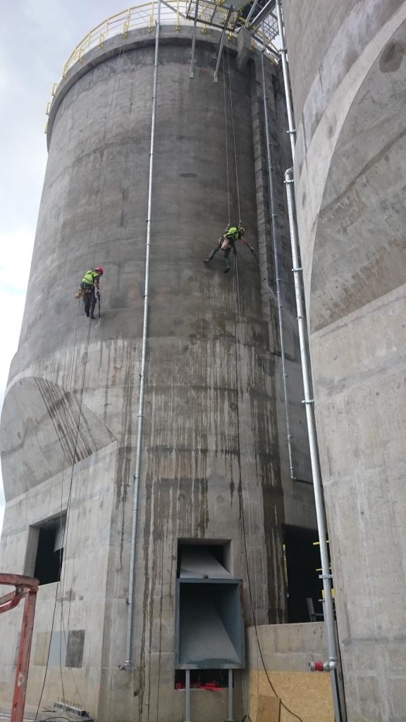 Czyszczenie elewacji betonowej